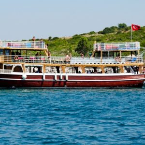 Daily boat tour with Ilki H Reis boat